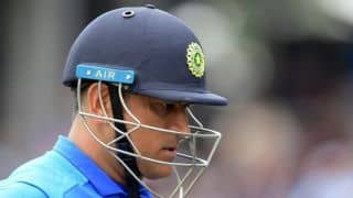 Selectors should inform Dhoni if he's dropped or not: Virender Sehwag