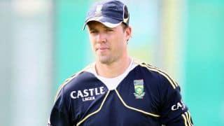 AB de Villiers expected to play ODIs against Australia despite hand surgery
