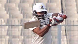 Live Cricket Score Karnataka vs Rest of India Irani Cup 2014-15 Day 1 at Bangalore: Varun Aaron takes five-for