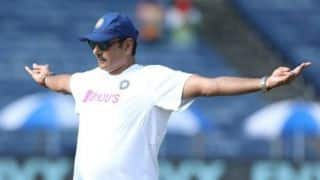Indian coach Ravi Shastri gets trolled for 'Titanic' pose on Twitter