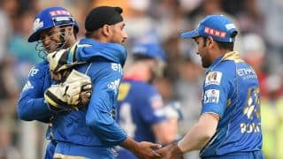 Mumbai Indians keep their hopes of qualifying for IPL 2014 playoffs alive by beating Dehli Daredevils
