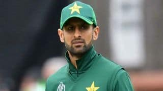 shoaib Malik become 1st Asian Batsmen to complete 10,000 run in T20 Cricket