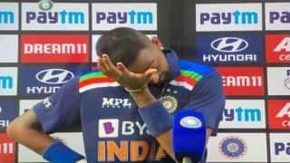 VIDEO: भावुक क्रुणाल पांड्या ने पिता को समर्पित किया पहला ODI अर्धशतक
