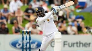 Dimuth Karunaratne's 152 keeps Sri Lanka alive but New Zealand remain on top on Day 3 at Christchurch