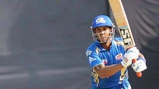 Mumbai Indians stutter early against Chennai Super Kings in IPL 2015 match
