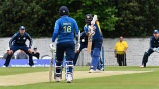Karunaratne shines on return, Sri Lanka break ODI losing streak