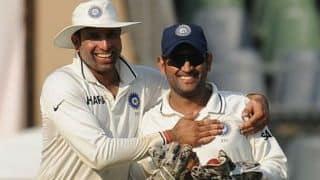 जब टीम इंडिया के बस ड्राइवर बन गए थे कप्तान महेंद्र सिंह धोनी