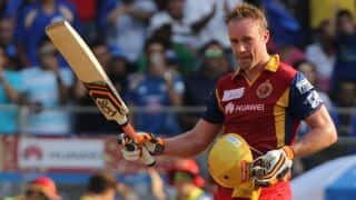 Sunrisers Hyderabad vs Royal Challengers Bangalore, Live Cricket Score IPL 2015: Match 52 at Hyderabad