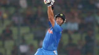 Yuvraj Singh's 60 takes India to 159/7 against Australia in ICC World T20 2014