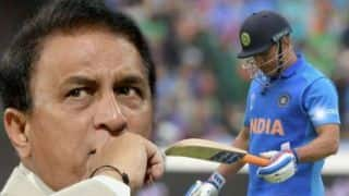 MS Dhoni should be going without being pushed out, says Sunil Gavaskar
