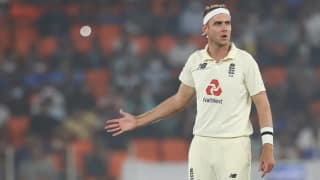 England Frustrated with '50-50′ umpiring decisions, says Zak Crawley
