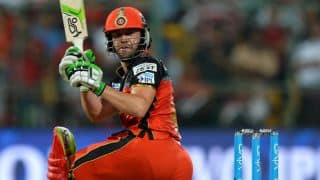 De Villiers dismissed for 5 by Bipul in IPL 2016 Final