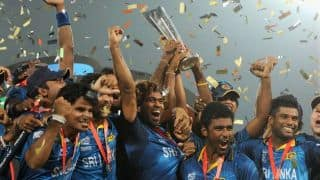 Sri Lankan players given heroic welcome upon arrival