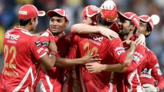 Deepak Hooda dismissed for 30 against KXIP in Match 3 of IPL 8 in Pune