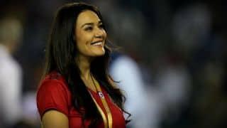 IPL में पहुंचा प्रीति का दीवाना, कहा-आखिरी सांस तक करूंगा प्यार