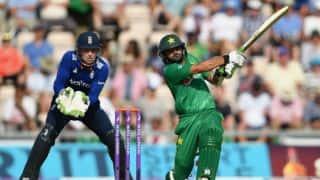 Azhar, Sarfraz help PAK set ENG target of 261 in 1st ODI