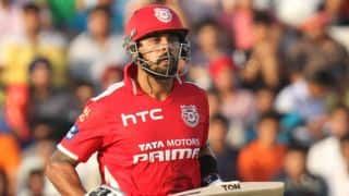Murali Vijay dismissed for 28 by Sunil Narine against Kolkata Knight Riders in IPL 2015