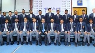 Depleted Sri Lanka leave for Pakistan tour despite threat reports