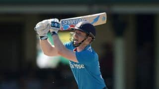 Eoin Morgan hits over the top against Australia