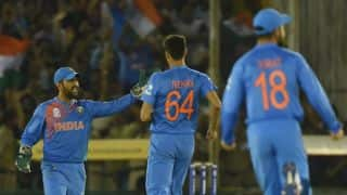 MS Dhoni is best Indian captain in pressure situations: Ashish Nehra