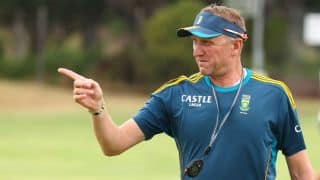 Donald quits as South Africa's bowling coach