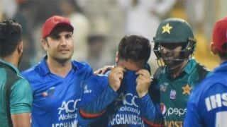 Video: Shoaib Malik consoles Afghanistan bowler Aftab Alam after thrilling clash