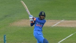I will have to bat till the 18th or 20th over to prevent a collapse: Smriti Mandhana