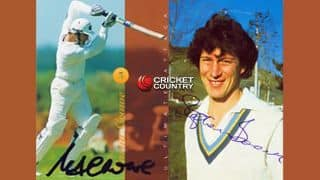 Stephen Boock leaves Martin Crowe in splits at the crease