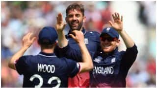 ICC Champions Trophy 2017: Mark Wood takes stunning catch against Bangladesh