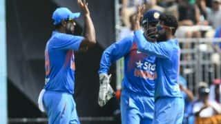 टीम इंडिया की पहले बल्लेबाजी, रविंद्र जडेजा की जगह कुलदीप यादव टीम में