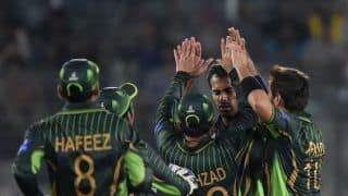 Pakistan coach Waqar Younis has heart-to-heart talk with players after Bangladesh drubbing