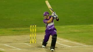 Hobart Hurricanes cruising at 96/2; require just 46 more from 42 balls against Melbourne Stars