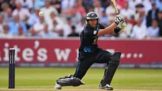 New Zealand 82 for loss of three against Pakistan after 20 overs