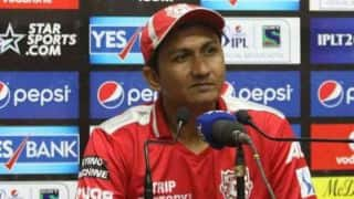 KXIP batsmen got flustered by rain: Bangar