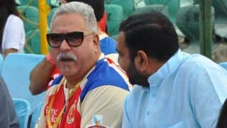Troubled Mallya seen enjoying IPL 2016 final
