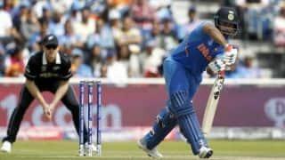 रिषभ पंत से नाखुश नजर आए पीटरसन, युवराज सिंह ने किया बचाव