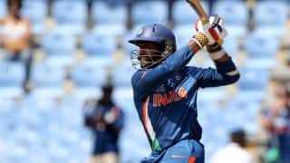 India move along to 144/4 after 33 overs