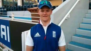 Ben Duckett reverse sweeps India out of the tournament