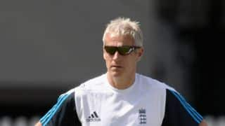 India tour of England 2014: Peter Moores says senior players must buck up
