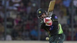 Mohammad Hafeez dismissed for 86 by Prosper Utseya against Zimbabwe in 1st ODI at Lahore