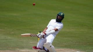 South Africa wobbling at 121/4 against England at lunch on Day 4 of 4th Test at Centurion