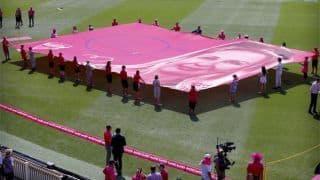 India cricketers present McGrath signed pink caps on Jane McGrath Day