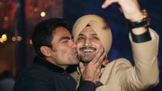 Mohammed Kaif, Harbhajan Singh indulge in bromance on Twitter