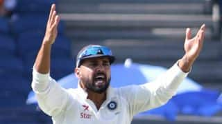 India vs Sri Lanka, 3rd Test: Murali Vijay struggles on the ground due to bad air quality, complains to Virat Kohli