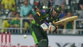 Nasir Jamshed run-out; Lahore Lions 50/1