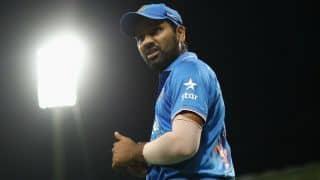 FIFA विश्व कप में भारतीय क्रिकेटर रोहित शर्मा लहराया तिरंगा