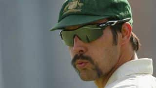 Mitchell Johnson helps Australians take huge 1st innings lead vs Kent