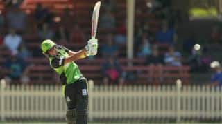 Harmanpreet Kaur scores 29 against Sydney Sixers