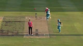 Watch Alyssa Healy pull off MS Dhoni-style run out
