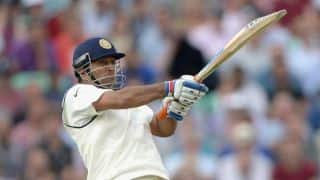 Dhoni the lone backbone amidst spinelss top-order